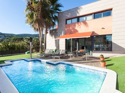 Photo for CARRERO - COZY and MODERN - Beautiful house, private pool - 20 minutes Barcelona, 10 minutes from the beach