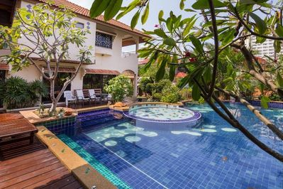 Villa Jade with Large Swimming Pool