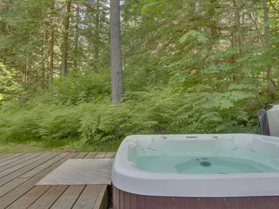 Photo for Lovely dog-friendly mountain cabin w/private hot tub! Just 400 feet to river!