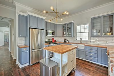 This 1,252-square-foot home has 2 bedrooms and 2 bathrooms.