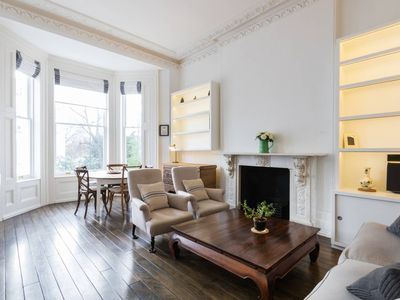 Photo for Chic 1 Bed Flat in Notting Hill - One Bedroom Apartment, Sleeps 2
