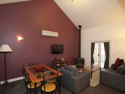 Photo for Beautiful Fully Self-Contained 1 Bedroom Queen Villa in Hepburn Springs