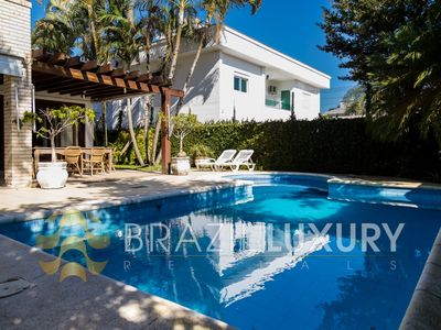 Photo for House in Jurerê Internacional with 4 rooms and pool only 250mts from the beach.