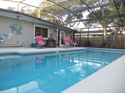 Heated private pool, Walk to the beach, restaurants and shops.