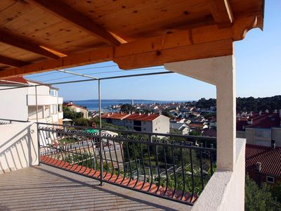 Photo for Studio flat with terrace and sea view Palit, Rab (AS-3195-f)
