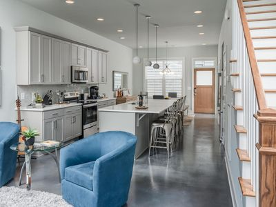 3 miles from Downtown Nashville! Roof deck! Amazing New Construction!