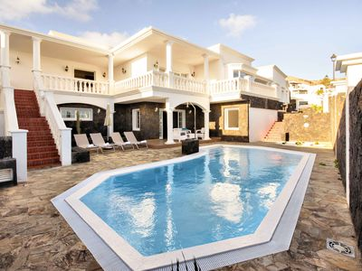 Photo for Villa Los Loros, relax, beach, good food and fun days