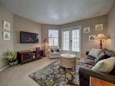 Photo for 2BRDM/2BATH ground floor unit, close to pool, parking and beach