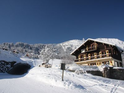 Photo for Ski in, Ski out chalet with Hot tub, Sauna & Log fire - Amazing Location