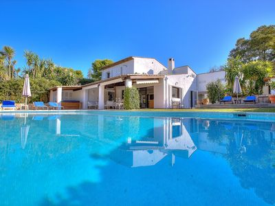 Photo for House with private pool in a prestigious neighborhood betweenn Cannes and Nice