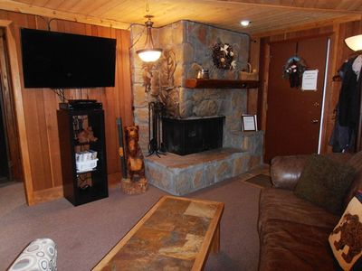 Photo for Close to Slopes and Ski Shuttle; Gas Fireplace! Redwood Commons A6