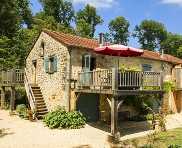 Photo for Traditional Gite with Large Pool and Sun Terrace. Set in 16 acres.