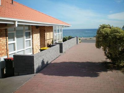Photo for Glenelg Beachfront Cottage