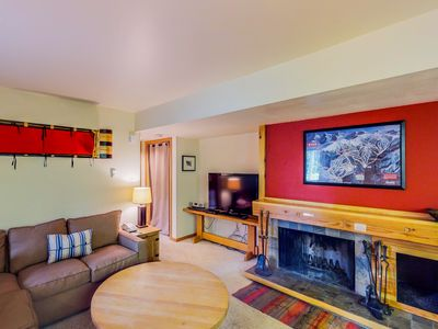 Photo for Dog-friendly condo w/ a shared pool & hot tub - close to the slopes!