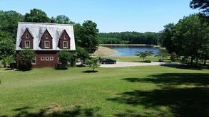 Photo for 3BR Estate Vacation Rental in Pinson, Tennessee