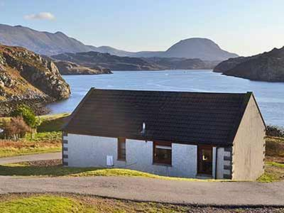 Photo for 3 bedroom property in Lochinver. Pet friendly.