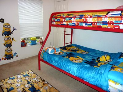 Twin/full sleeps 3, choice of bedding: Star Wars, Cars, Spongebob, Minions, PS3.