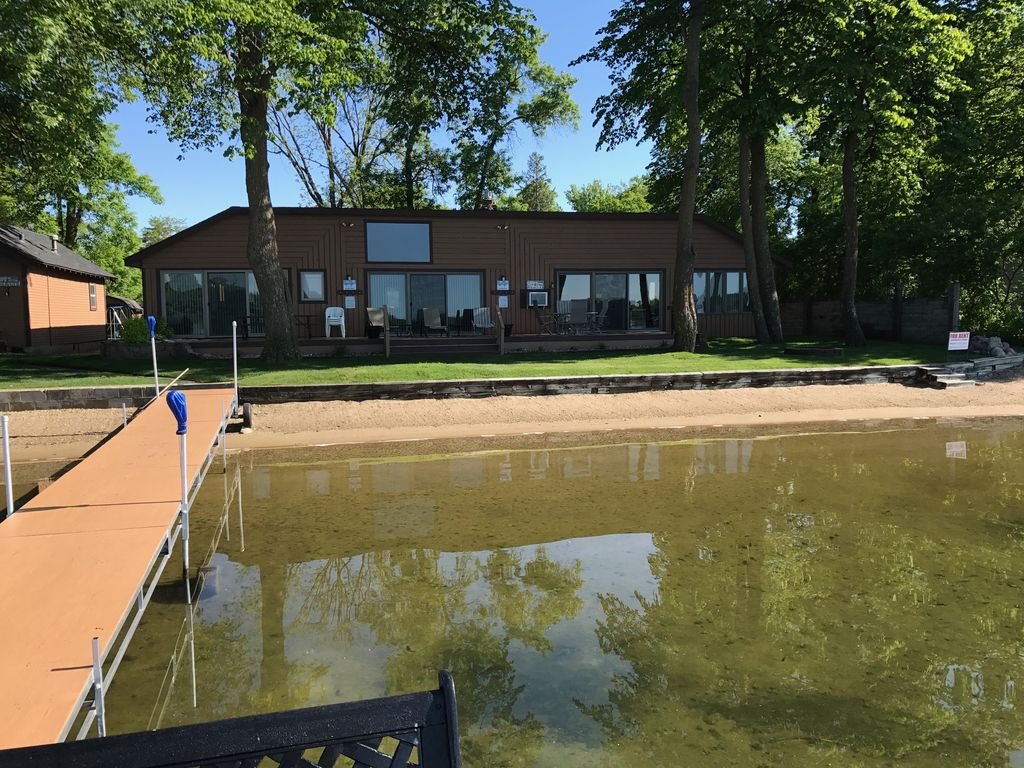 Lake House On Premium Lake Le Homme Dieu Bay Alexandria
