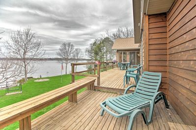 The 3-bedroom, 2.5-bath vacation rental features panoramic lake views.