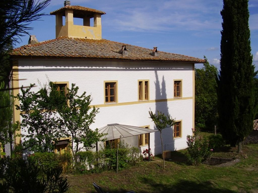 An italian country home in the midst of nat vrbo for Italian country homes