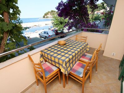 Photo for One bedroom apartment with terrace and sea view Podgora (Makarska)