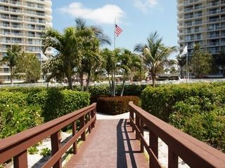 Photo for Sun, Beach & Fine Dining on Marco Island!  Great 2/2 Condo