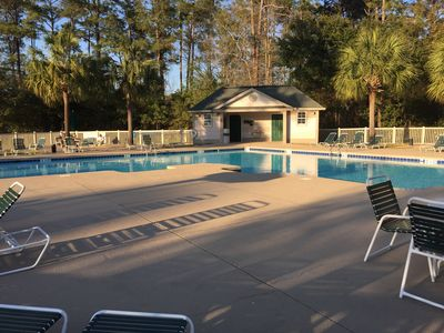 End Unit! 5 min to Beach. Steps from Pool/Jacuzzi. Golf. Close to Dining. WiFi