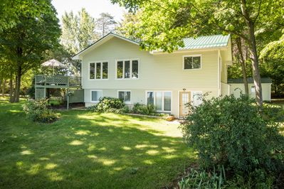 Large, spacious cottage with walk outs to waterfront from upper and lower floors