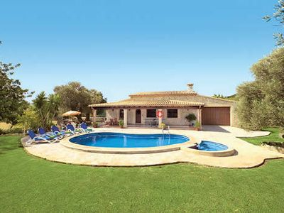 Photo for Tranquil stone villa with a pool and whirlpool ideal for a relaxing holiday