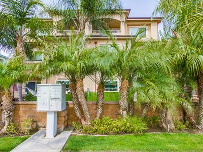 Photo for 4 bedroom standalone town home located  in Pacific Beach-close to ocean/bay!
