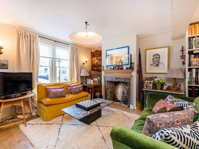 Photo for Characterful & Unique 3bed family home - Battersea