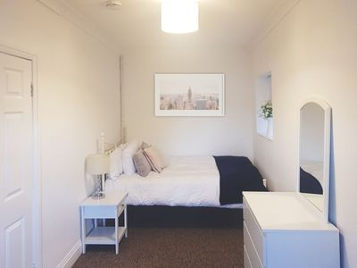 Photo for Standard double room with shared bathroom