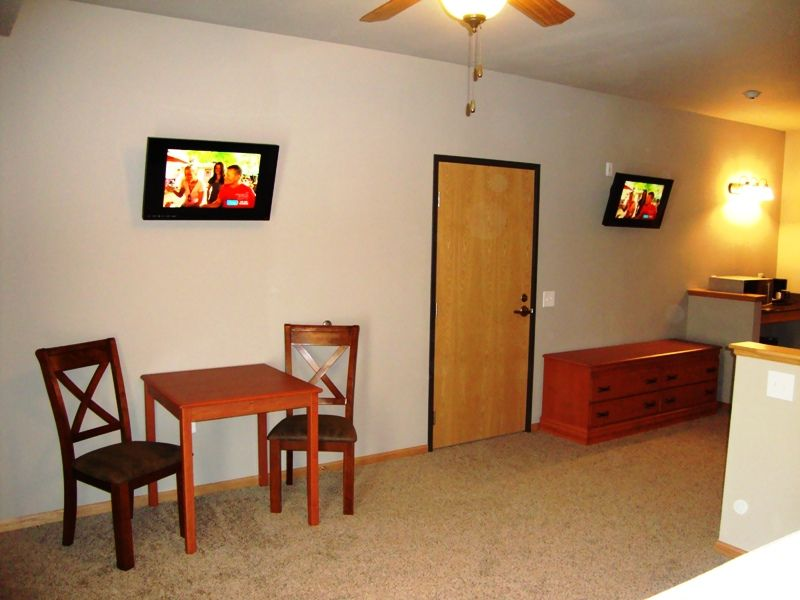 Spacious Hotel Suites Located @ Spring Brook Resort | Stunning View of Golf Course