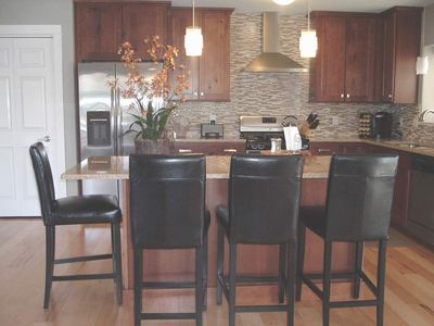 Gourmet kitchen with upgrades galore!