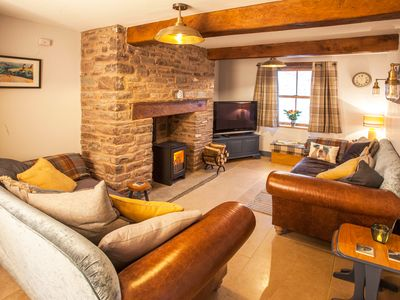 Photo for Cosy cottage in hamlet with pub, near Brecon - children and/or dogs welcome!