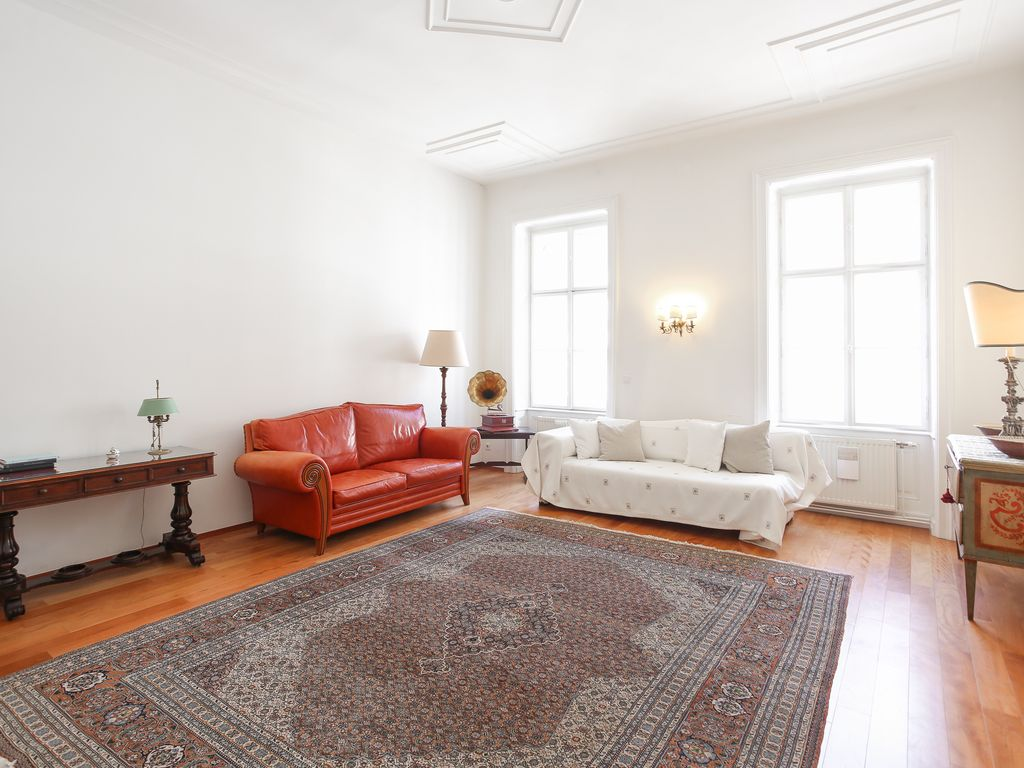 Tasty 5-room apartment at Staatsoper - HomeAway