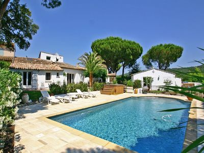 Photo for Tranquility and liveliness combined in luxury villa with air conditioning and private pool in Gassin