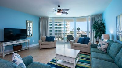 Photo for CRC0309 - Charming Poolside Condo with B