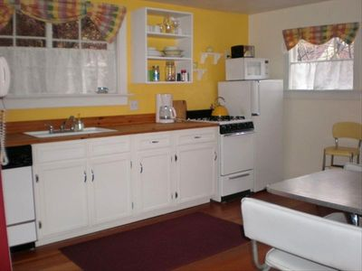 Full Kitchen and Laundry Facilities