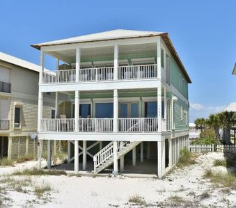 Photo for Great Beachfront Family Home w Big Kitchen + Lots of Bedrooms 'Southern Grace'