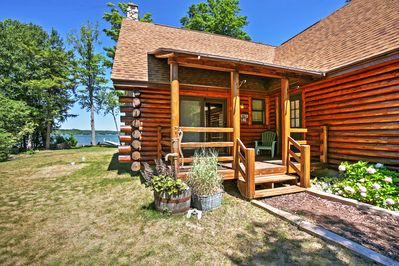 Let this charming Lake Leelanau vacation rental cabin serve as your home base!