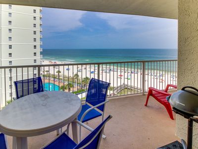 Photo for Beachfront, eighth-floor condo w/ amazing views & shared pool