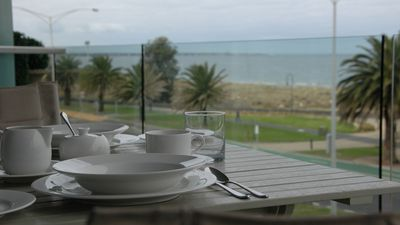 Photo for Luxury - uninterupted water views
