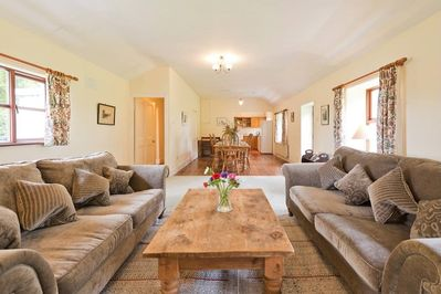Extensive open plan living space for groups and families