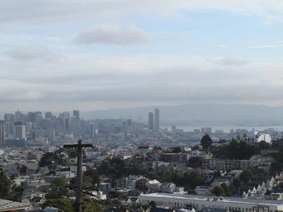 Photo for Apt for 6 near Twin Peaks, Amazing Views of San Francisco!