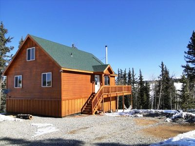 Kamani Cabin with Gorgeous Views and a private Game Room and Hot Tub