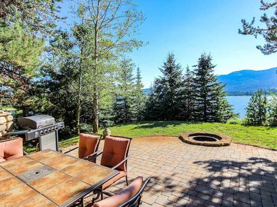 Photo for Amazing 5 bedroom + loft with Mother in Law quarters, sleeps up to 26, right by lake