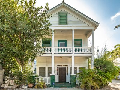 Stone Throw Famous Duval Street Location-No Contact Check-In