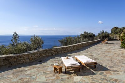 view & chaise