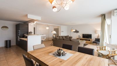 Photo for Beautiful contemporary apartment of 87 m2 between the beach and Sanary market